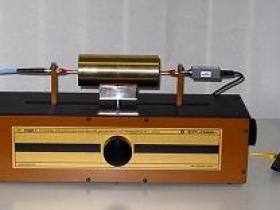 Установка для измерения комплексной диэлектрической проницаемости УКДП-1